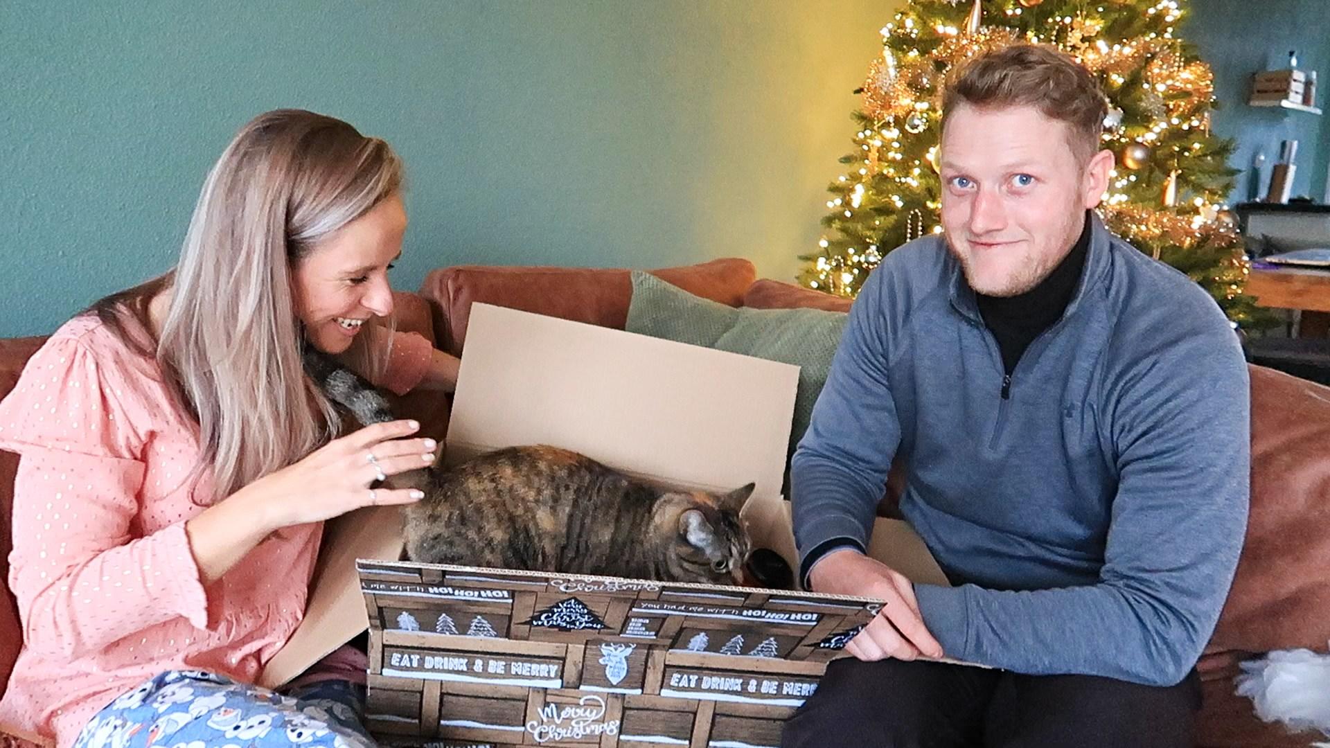 Vlogmas #9 Eindelijk een piek & Mega kerstpakket! Optima