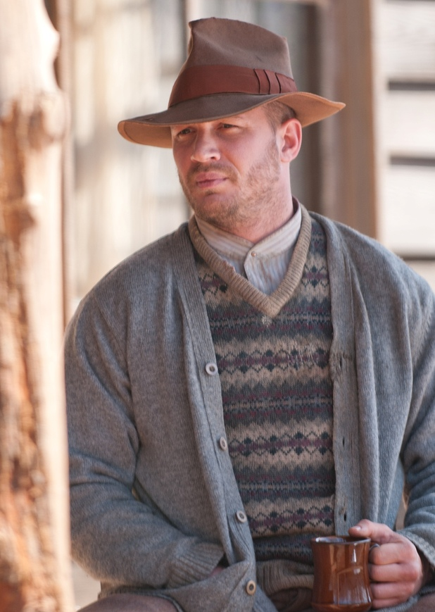 movies_lawless_still_2
