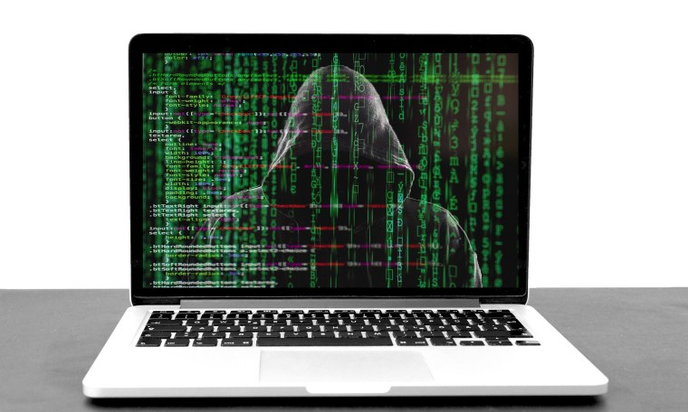 The Risk of Redirector Domains in Phishing Attacks