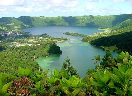 Lagoa das Sete Cidades (http://www.oquevisitarem.com)