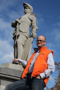 Geurt Wassink wil het oranjegevoel onder Barneveldse basisscholen opnieuw aanwakkeren.