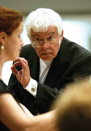 Helmuth Rilling returns to the Oregon Bach Festival this week.