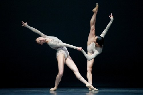 "San Francisco Ballet dances Wayne McGregor's ""Borderlands.""/Erik Tommason"