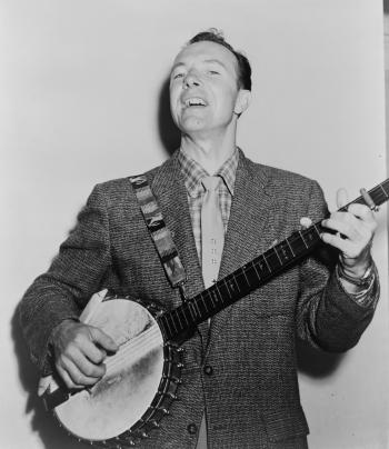 Pete Seeger, 1955. Library of Congress. New York World-Telegram & Sun Collection. Wikimedia Commons.