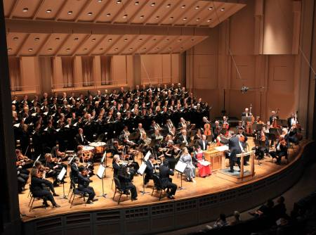 Steven Zopfi conducted Portland Symphonic Choir.