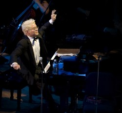 Pink Martini founder/pianist Thomas Lauderdale plays Gershwin with the Vancouver Symphony.