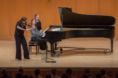 Nadja Salerno Sonnenberg and Anne Marie McDermott perform Brahms's Violin Sonata No. 2 in A Major, Op. 100. Photo by Tom Emerson