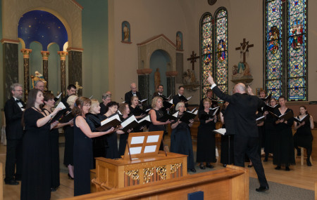 Mark Williams led Cantores in Ecclesia at the William Byrd Festival. Photo: Sarah Wright.
