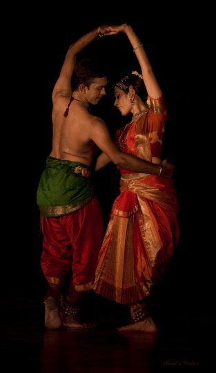 Bharatanatyam Duo Viraja Mandhre & Shyamjith Kiran.