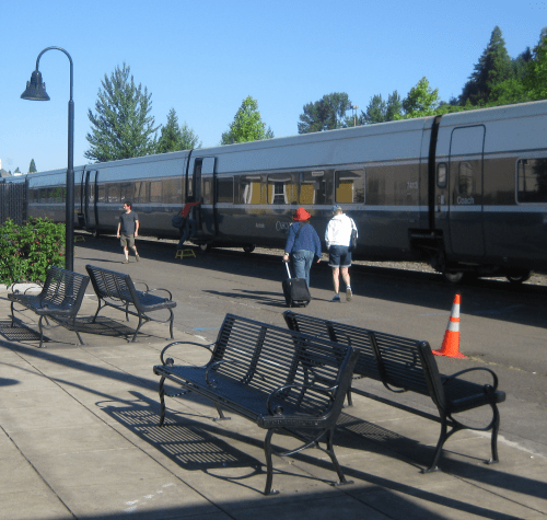 Portland-bound Amtrak Cascades at Eugene Station.