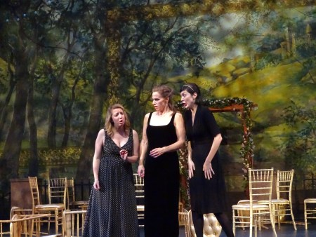Héro (Emily Way, left), Béatrice (center) and Ursula (Laura Thoreson, right) in Act 2 of Berlioz's 'Much Ado About Nothing' ('Béatrice et Bénédict'). Photo: Eugene Opera.
