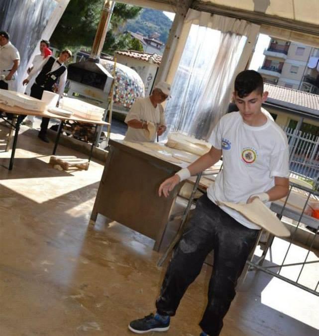 OraWebTv-Giovani. Barcellona: Talento di Pizza Free Style