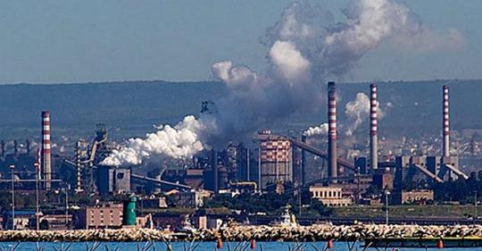 """Emissioni odorigene in aree industriali Giammoro, San Filippo e Milazzo. Villarosa e Floridia M5S: """"Arriva alla Camera proposta di legge su molestia olfattiva"""""""