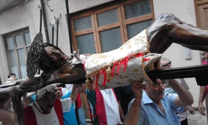 """Castroreale, onora l'amato """"Cristo Lungo"""""""
