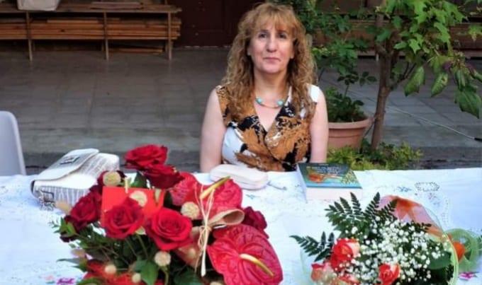 """Santa Lucia del Mela. Anna La Rosa ha presentato """"Una vita, due vite, tutte le vite"""" Lombardo Edizioni, nel Chiostro del Sacro Cuore"""