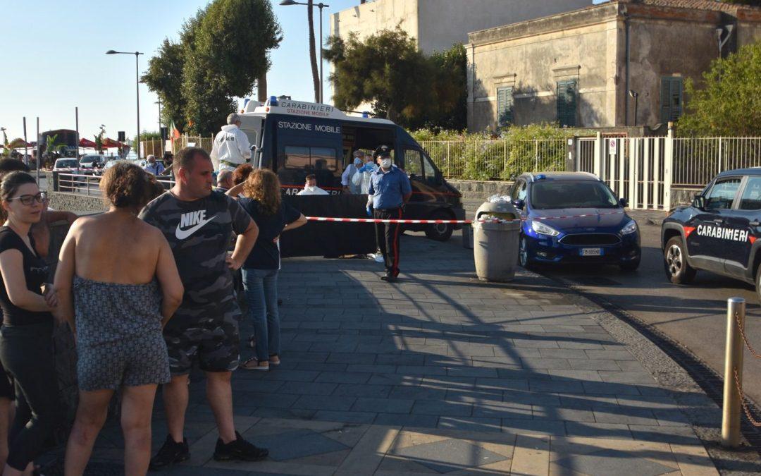 Dramma ad Acitrezza, 26enne uccisa in strada: ricercato l'ex fidanzato
