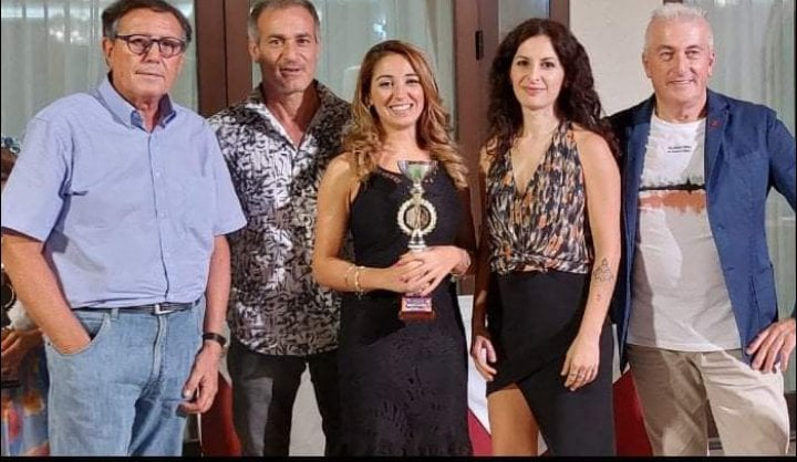 """Concorso Canoro """"Festival dei Festival"""" primo posto per Maria Elena Torre"""