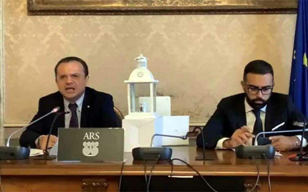 """Regione. Cateno De Luca all'attacco: """"Musumeci una sciagura. Micciché sotto sfratto se non fa il Presidente del parlamento"""""""