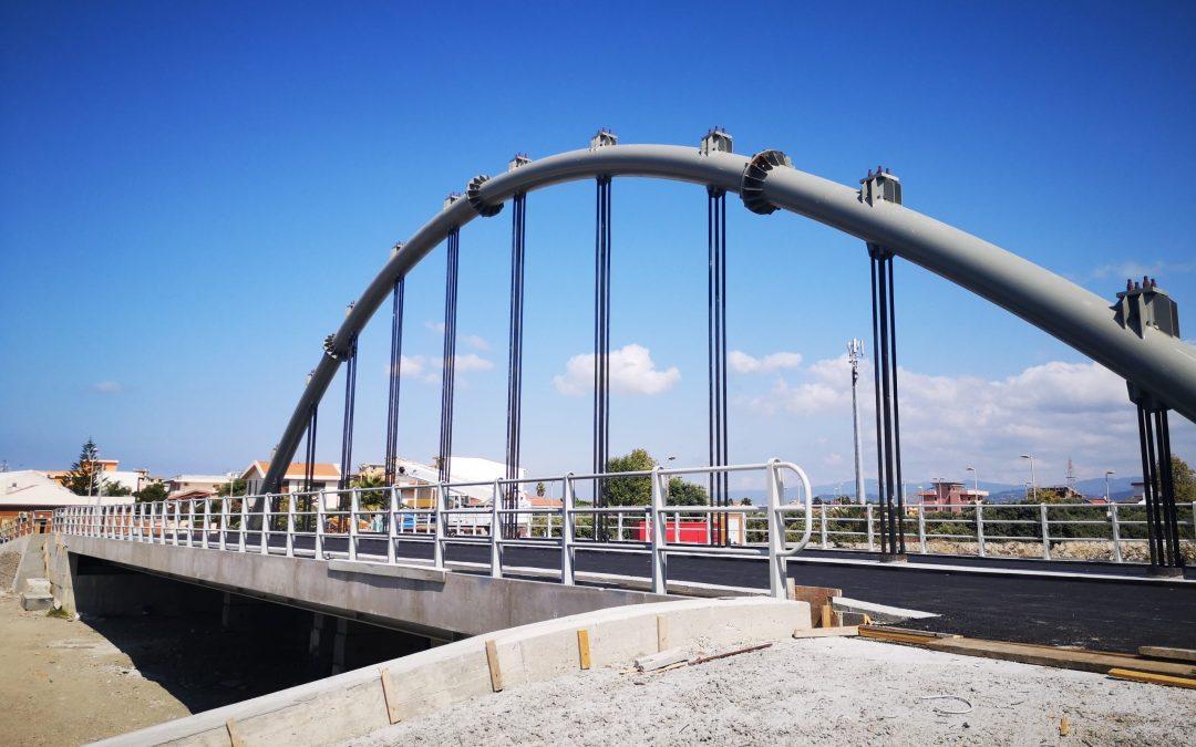 Barcellona PG. Ponte di Calderà, Progetto di utilità sociale e nuova illuminazione, al centro dell'agenda di Palazzo Longano
