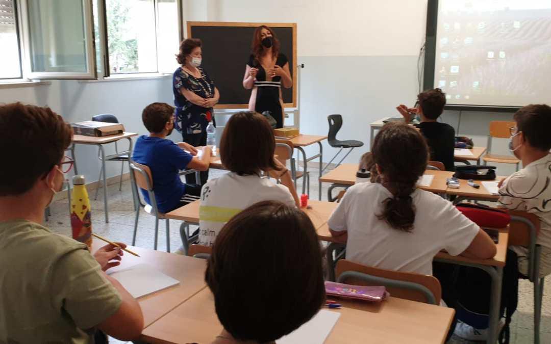 """Barcellona PG. IC """"Capuana"""". Dialogo interreligioso alla Scuola Secondaria di Primo Grado G. Verga. Gli alunni intervistano due docenti"""