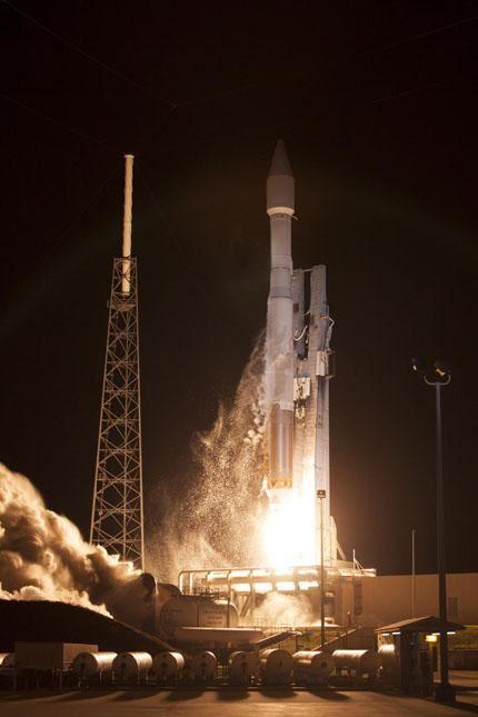 TDRS-L launch 06