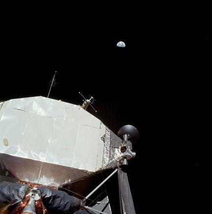 Apollo-11 12