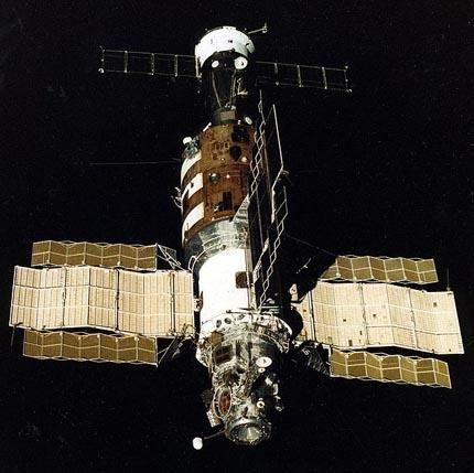 Salyut_7_from_Soyuz_T-13-1