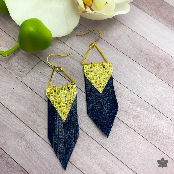 https://www.orchidandopal.com/wp-content/uploads/Faux-Leather-Triangle-Earrings-Pattern_Orchid-and-Opal.pdf