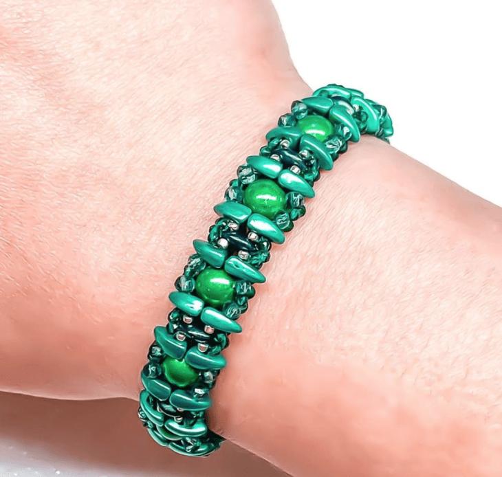 verdant vine beaded bracelet