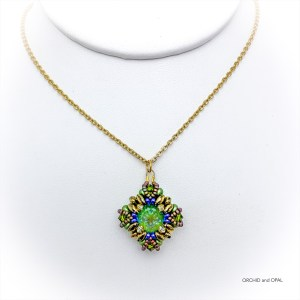 tranquil spring pendant necklace - green/gold