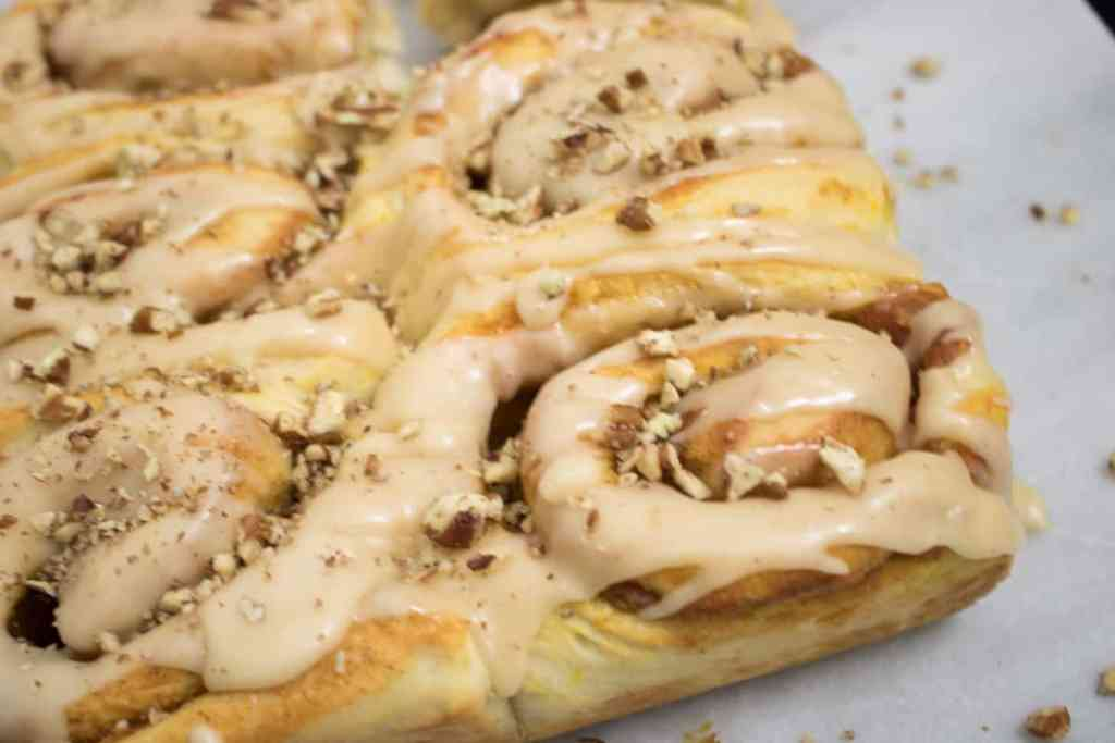 Best Vegan Pumpkin Cinnamon Rolls