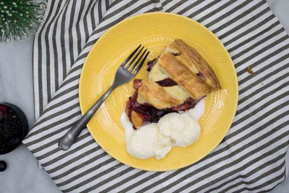Homemade Apple Berry Pie