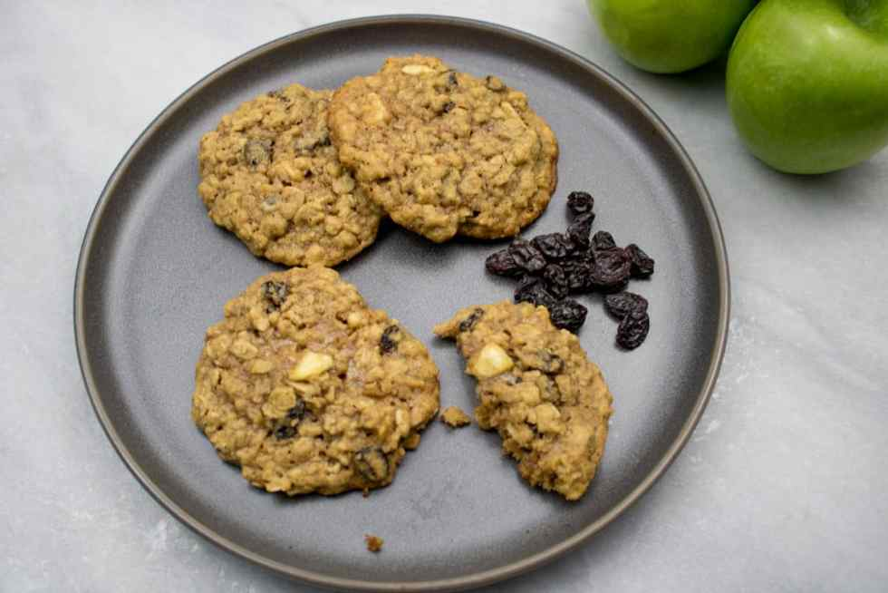 Chewy Apple Oatmeal Raisin Cookies