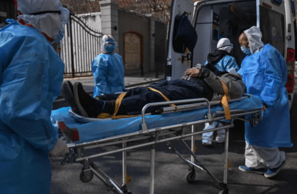 Sube a mil 868 las muertes por nuevo covid-19 en China