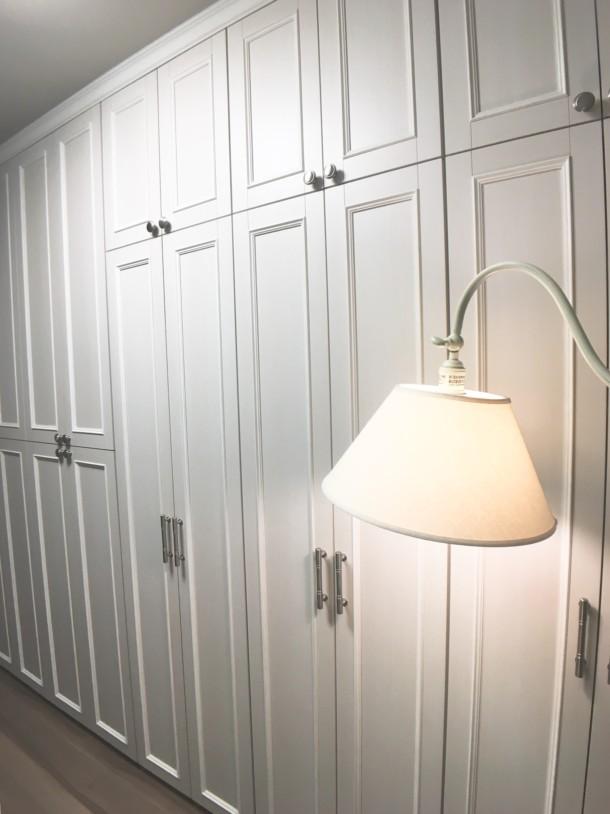 壁面収納家具