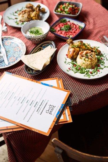 Eine Auswahl an Köstlichkeiten des Caterings von Chickpeace