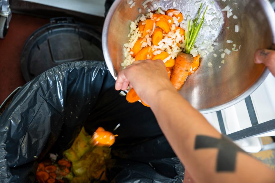Keine nachhaltige Gastronomie: Lebensmittelreste werden entsorgt