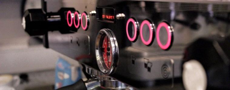 Eine Espresso Maschine, das Herzstück in einem Café