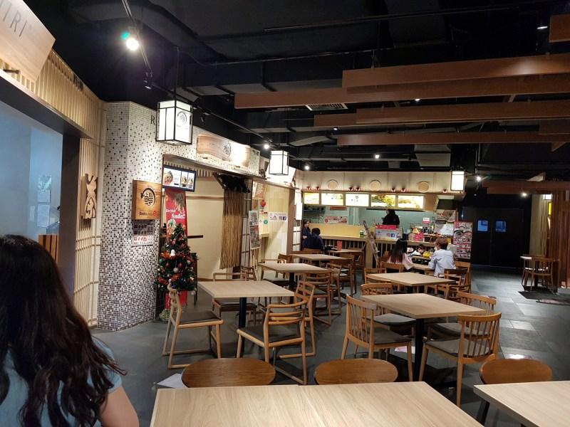 lot 10 j gate food court