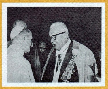 Papa Paolo VI riceve un Cavaliere dellOrdine militare di Santa Brigida di Svezia