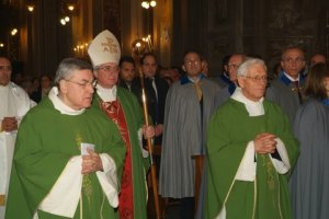 Mons. Lucio Lemmo con i Cavalieri di S. Brigida