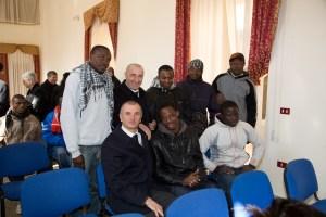 Cavalieri di S. Brigida con alcuni Migranti del Centro Fernandes di Castelvolturno