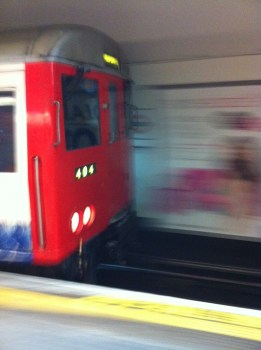 Metro catturata con iPhone 4!