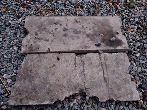 12坊温泉焚き火用コンクリ板