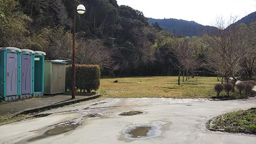 小川の里キャンプ場区画サイト