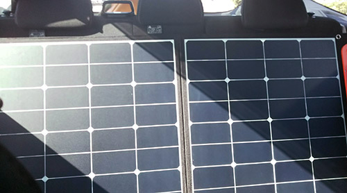 SolarSaga100車内後部座席
