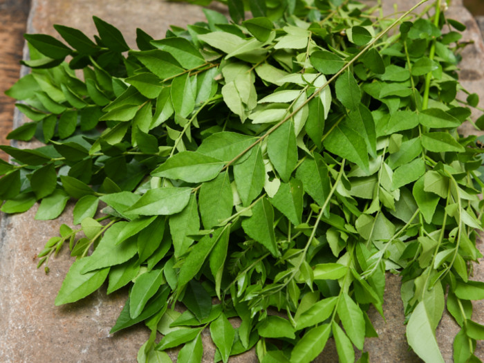 Chewing Curry Leaves On Empty Stomach Has These Benefits