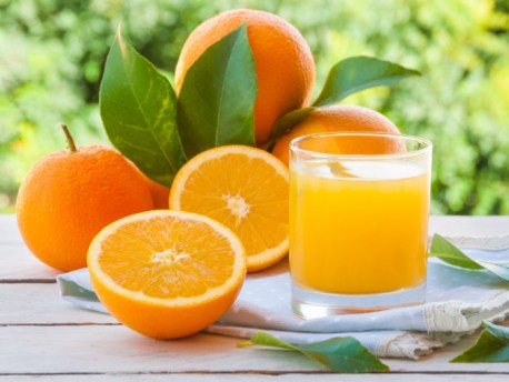 2 Ways To Make Fresh Orange Juice | Organic Facts