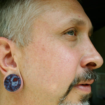 from California with gorgeous Armenian agate earplugs!