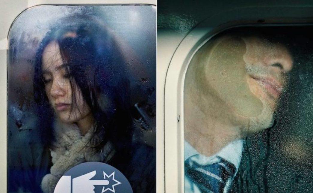 """La metro di Tokyo - I """"quasi morti"""" fotografati da Michael Wolf"""